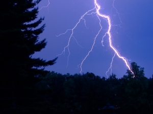 staying safe in storms when outdoors